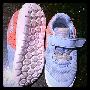 Nike purple pink toddler shoes 8c